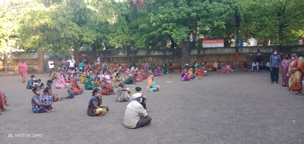 Kits distribution for victims of Bheemwadi Slum Fire- Nashik