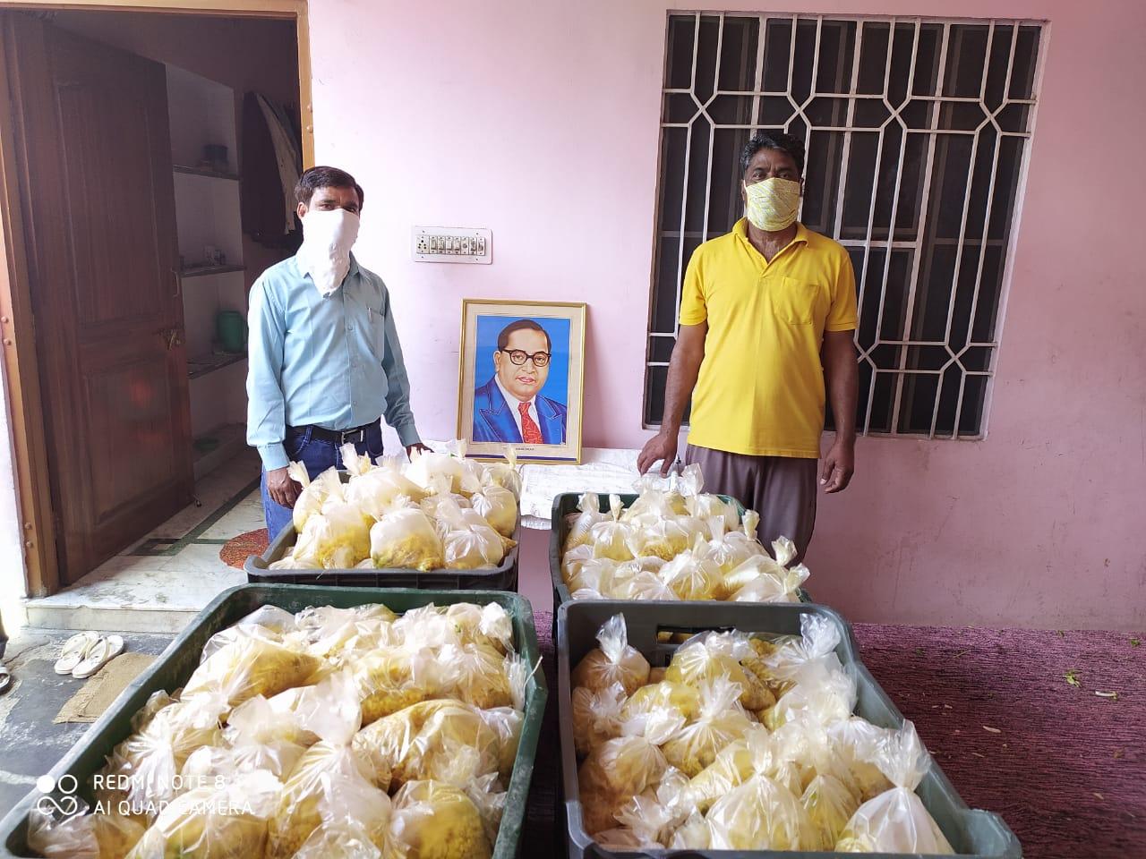 Cooked Food distribution at Jaipur, Rajasthan