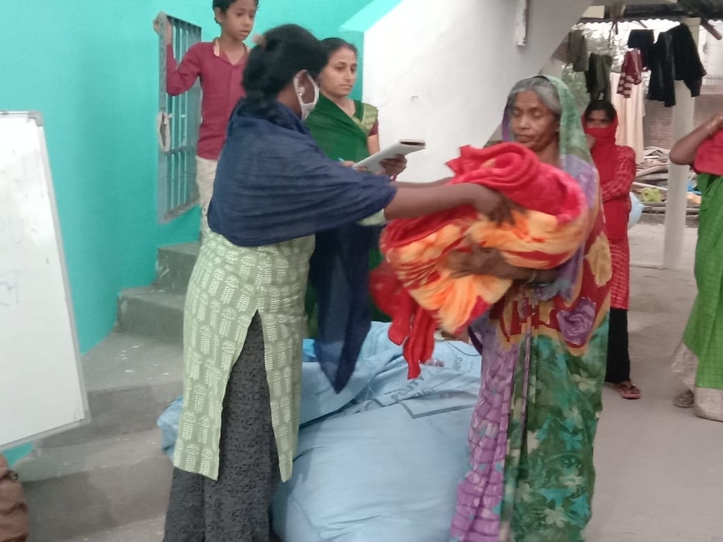 Blanket distribution at Kosmanda Janjgir, Chhattisgarh