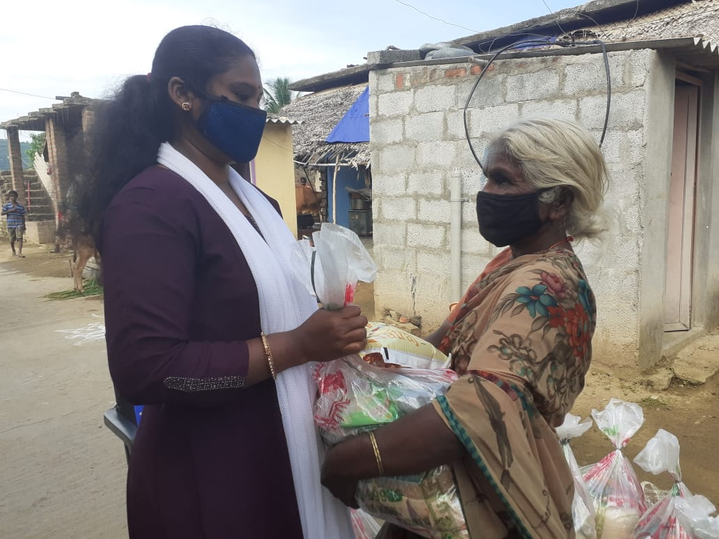 You are currently viewing Ration Kit distribution to daily wagers and labours at Perumallapalli village- Andra Pradesh
