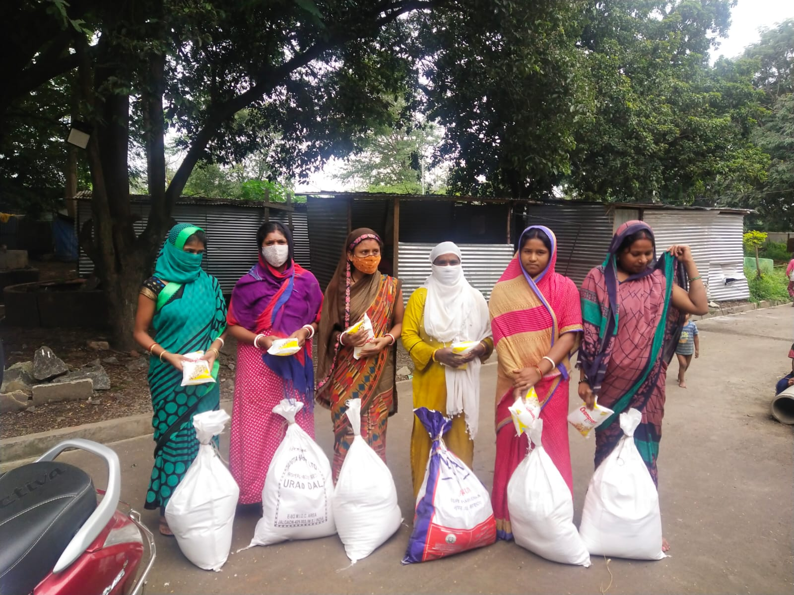 You are currently viewing ration Kit distribution for Asha Health workers Daily waged labours at Talegaon-Maharashtra